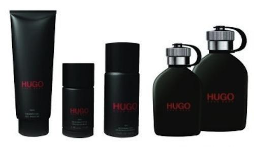 Hugo Just Different dans la salle de bains