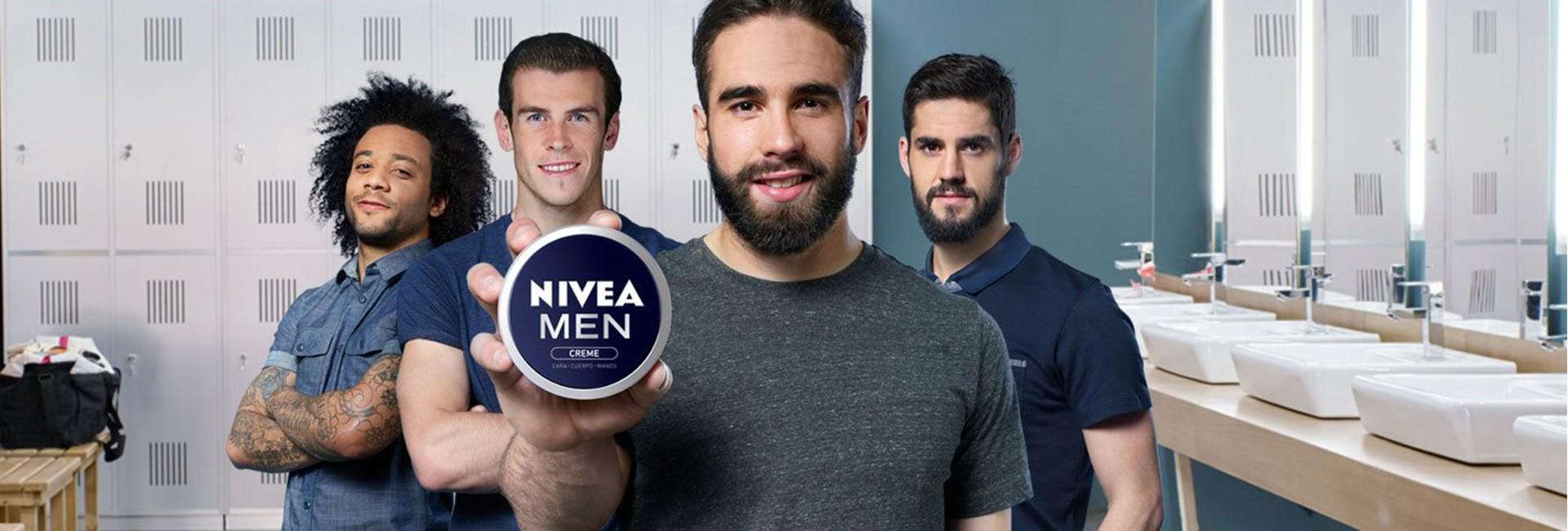 La mythique boîte bleue veut séduire les hommes